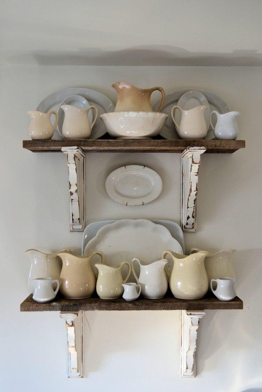 http://vintagemellie.blogspot.com/2013/01/barn-wood-shelves.html