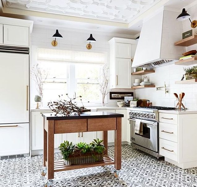 Rebecca Reynolds Lori Gilder's Napa Valley Showhouse Kitchen 2015