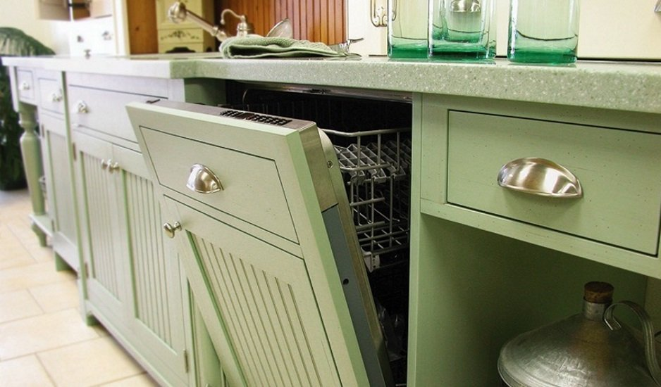 Colonial Bronze Company produces fine hardware for call cabinets and doors